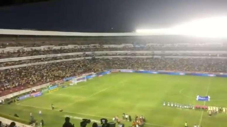 El Corregidora se llenó para ver al América. Twitter/zaritzisosa