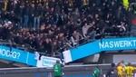 Se rozó la tragedia en la Eredivisie: ¡se hundió la grada con varios aficionados en ella!