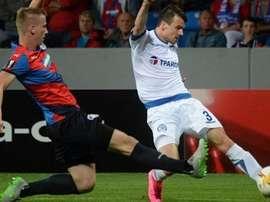 Imagen del duelo entre el Dinamo Minsk y el Viktoria Plzen. Twitter