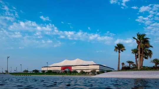 Estádio Al Bayt recebe teto para a Copa de 2022. Catar2022