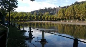 El río Ter se desbordó junto al estadio. Twitter/cdborgonya