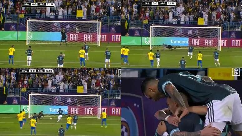 Messi erró desde los once metros, pero fusiló a la segunda a Alysson. Capturas/DAZN_ES