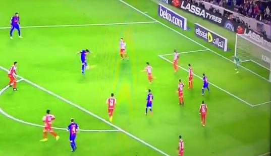 L'Uruguayen marque le troisième but de Barcelona face au Sporting. BeinSports