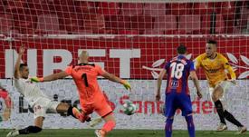 Ocampos se viste de Hitchcock y acerca al Sevilla a la Champions. EFE