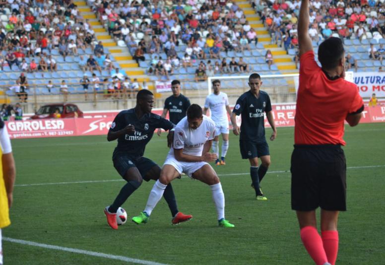 Vinicius volvió a ser protagonista en el Castilla. Twitter/CyDLeonesa