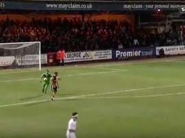 Imagen del partido entre el Cambridge y el Notts County. Twitter