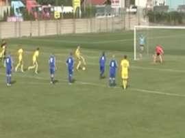 Imagen del peculiar lanzamiento de penalti del Luzna y el Rovinka. Youtube