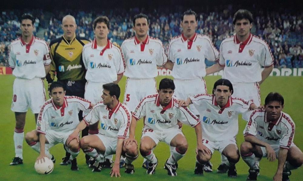 Tsartas formó parte del Sevilla en la temporada a finales de los años 90. EFE