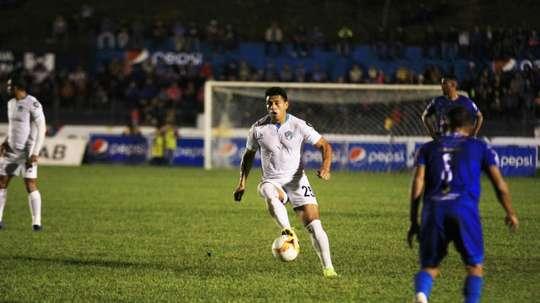 Comunicaciones derrotó por 2-3 a Cobán Imperial. Comunicaciones