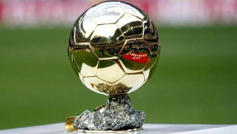 Imagen del trofeo del Balón de Oro. EFE