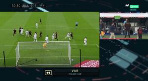 O polêmico gol do Sevilla anulado pelo VAR. Captura/Movistar+