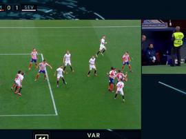 VAR et pénaltys à gogo au Wanda entre l'Atlético et Séville. Capture/MovistarFutbol