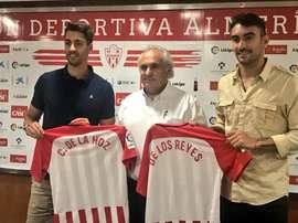Ambos futbolistas fueron presentados este miércoles. Twitter/U_D_Almeria