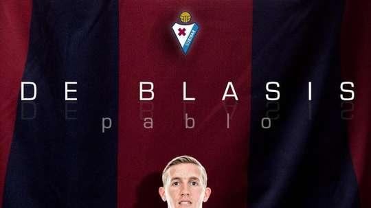 De Blasis firmó con el Eibar hasta 2020. Twitter/SDEibar