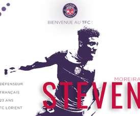 El lateral firma hasta junio de 2021. Twitter/ToulouseFC