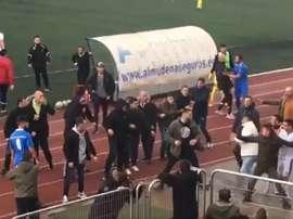 Lamentable imagen de los ultras del Alcalá en un partido de Tercera. Captura
