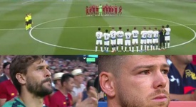 The players paid tribute to Reyes before kick-off. Capturas/Movistar