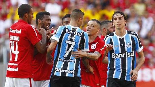 Os dois maiores clubes de Porto Alegre competiram em divisões diferentes nesse último ano. Goal