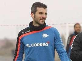Iñaki Sáenz, en un entrenamiento con el Deportivo Alavés. ElCorreo