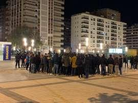 Algunos aficionados del Zaragoza estallaron contra sus jugadores. Twitter/partidazocope