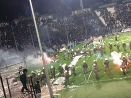 Greek football violence at PAOK. Twitter