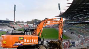 Ya han empezado las obras en el Wildparkstadion. Twitter/KarlsruherSC