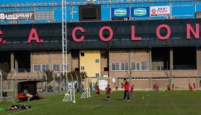 Colón de Santa Fe se ha refrozado con Heredia. ClubColon