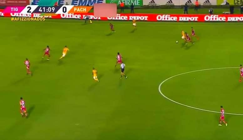 Un gol con paralelismos al mítico de Diego. Captura/Televisa