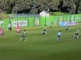 Instante del partido entre los filiales del Sporting de Lisboa y del Braga. Youtube - CanalC