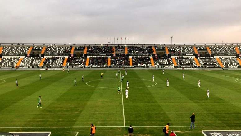 Badajoz y Sanluqueño empataron a nada en el Nuevo Vivero. Twitter/atcosanluqueno