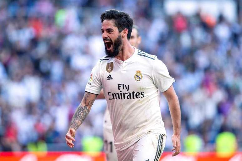 Juve are confident of signing Isco this summer. EFE