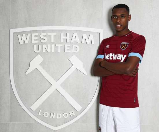 Issa Diop has only been at West Ham United. Twitter/WestHamUtd