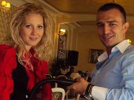 Ivaylo Stoyanov acudió a un concurso de su país para encontrar pareja. AsociaciónBúlgaradeÁrbitros
