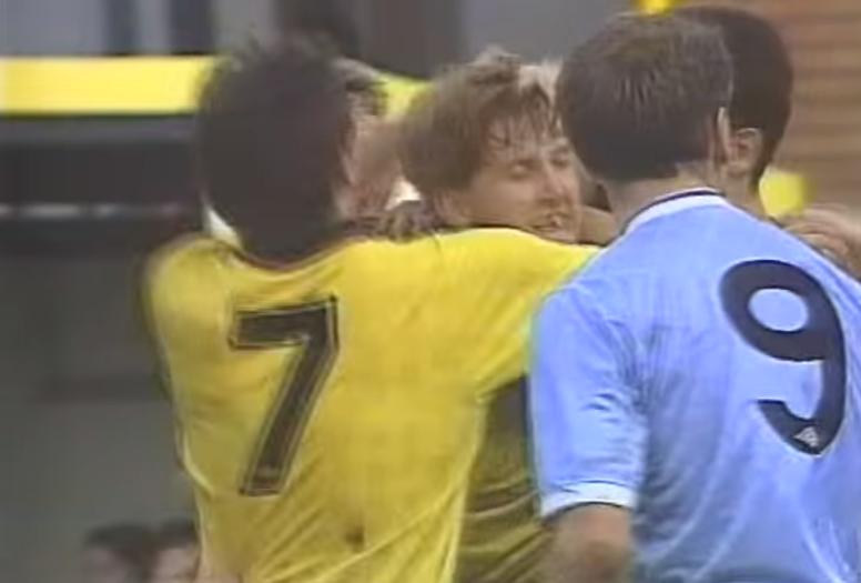 Roberts fue el autor del gol del Watford en la última victoria en 1989. Youtube/mcfcvideos