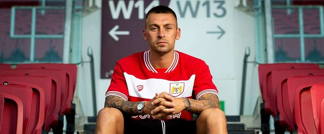 Jack Hunt has signed for Bristol City. BCFC