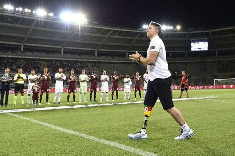 Jakson Follman vira comentarista em homenagem especial do DAZN. TorinoFC