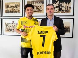 Jovem atacante anunciado pelo Borussia. Twitter/BVB