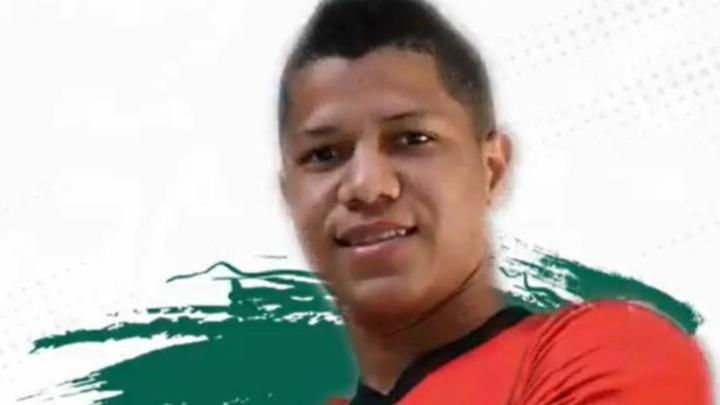 Jaime Alvarado se suma una temporada al Racing Ferrol. Twitter/racingferrerolsad