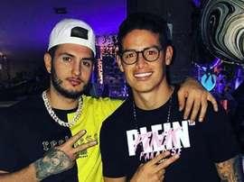 James aproveita festa com jogadores do Atlético de Madrid. Instagram/FansJames