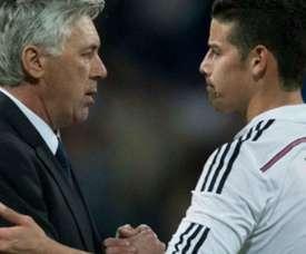 James com Ancelotti em uma das épocas em que trabalharam juntos. AFP