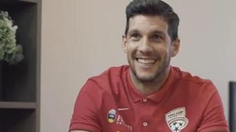 Javi López renueva una temporada más con el Adelaide United. Twitter/AdelaideUnited