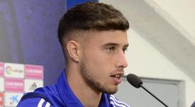 Javi Puado fue presentado como nuevo jugador del Zaragoza. Twitter/RealZaragoza