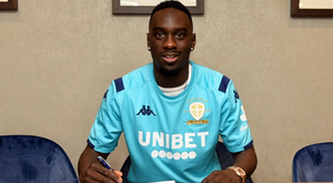 Leeds United anunciou nesta segunda-feira o empréstimo de Jean-Kevin Augustin. LeedsUnited