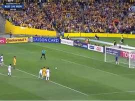 O momento que selou o jogo: O 3º gol de Mile Jedinak. Captura7Twitter