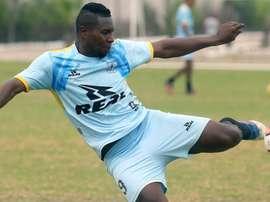 El colombiano Jeferson Collazos sale del anonimato como goleador en Perú. EFE
