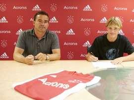 O Ajax paga dois milhões por Kjaer, talento dinamarquês de 16 anos. AFCAjax