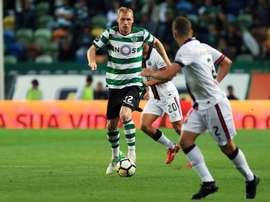 Mathieu renova com o Sporting. Facebook/Sporting CP