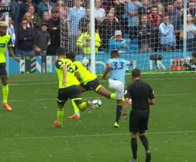 Jesus marca o segundo gol do City contra o Huddersfield. Twitter @SkySportsStatto