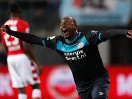 El PSV consiguió llevarse los tres puntos en su visita a Alkmaar. AFP