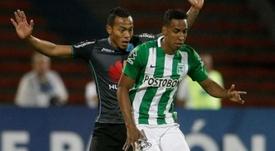 El jugador de Atlético Nacional tuvo un lance ante Santa Fe. EFE/Archivo